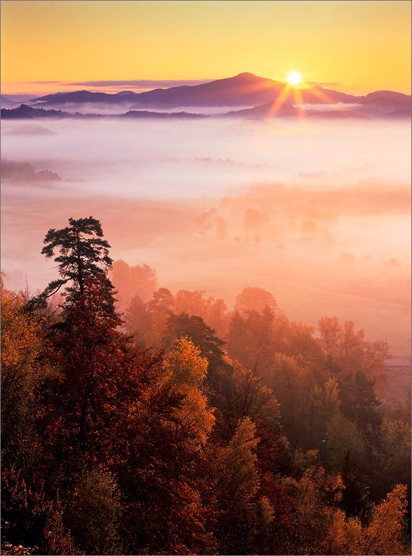 Podzimní ráno použitá fototechnika pentax 645nii pentax smc 45 85
